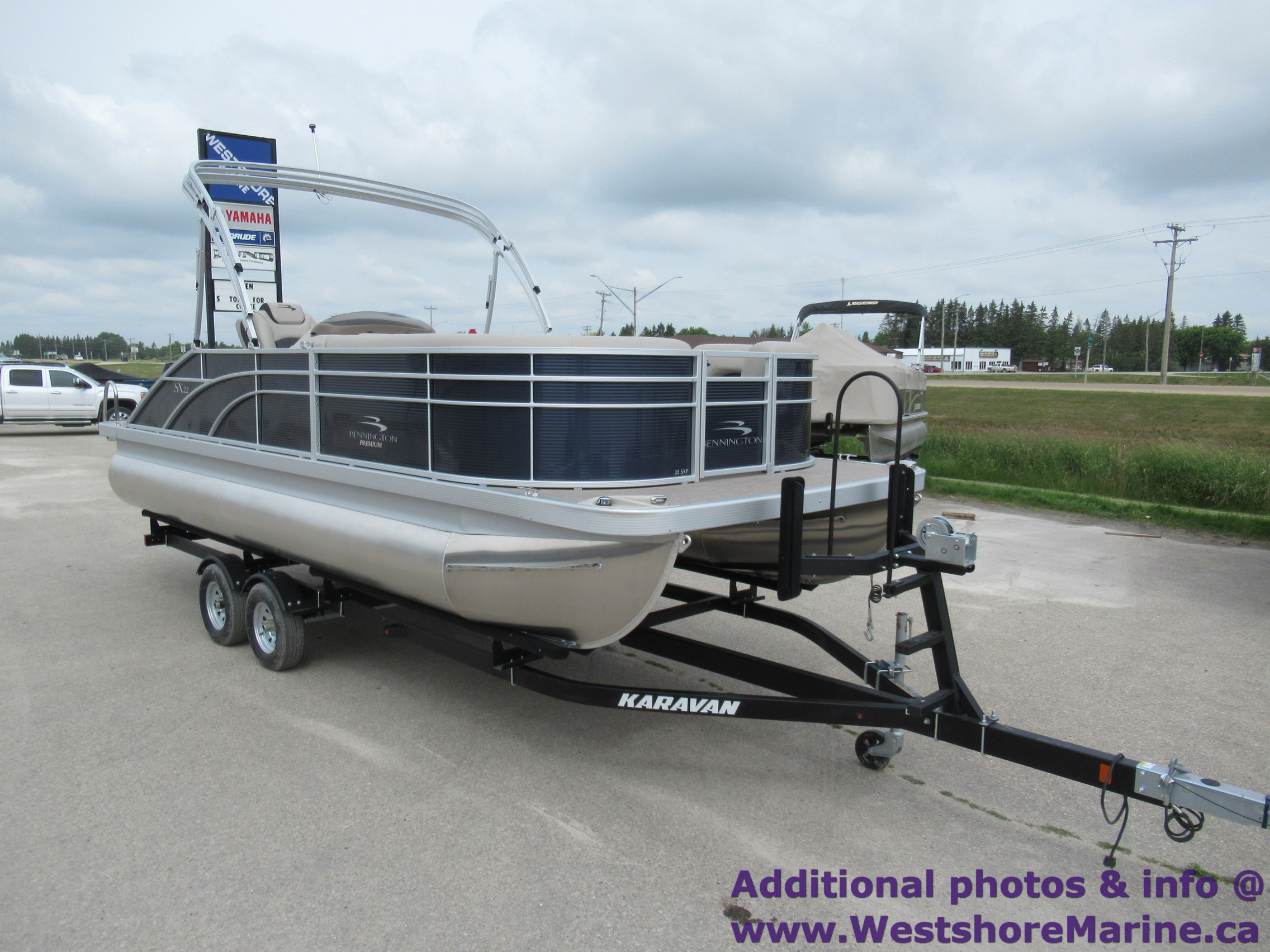 New 2019 Bennington 22' Swingback SSBXP