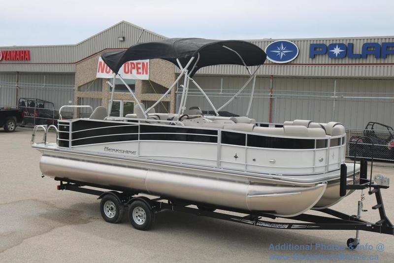 New 2017 BERKSHIRE 23' RFC TRITOON (REAR FISH CRUISE MODEL)